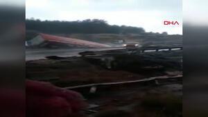 Adanada TIR, çarptığı otomobille köprüden uçtu