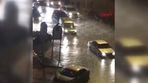 Trabzonda sağanak etkili oldu, yollar göle döndü