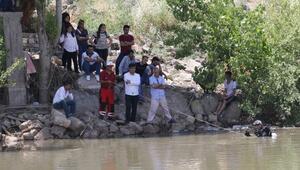 Dicle Nehrinde kaybolan Muhammedi arama çalışmaları sürüyor