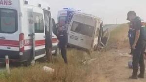Tarım işçilerini taşıyan minibüs devrildi: 11 yaralı