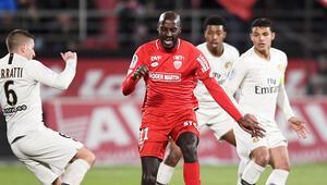 Son dakika Trabzonspor transfer haberleri: Rodalleganın yerine Julio Tavares gelecek
