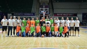Bursa BŞB basketbol altyapı seçmelerine yoğun ilgi