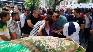 Cip çarpamasıyla ölen anne- kız, gözyaşlarıyla uğurlandı
