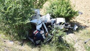 Çayda TIRla hafif ticari araç çarpıştı: 1i çocuk 3 ölü