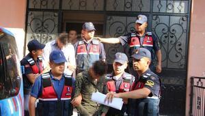 Jandarma alıcı gibi davrandı, uyuşturucu satan 2 şüpheli tutuklandı
