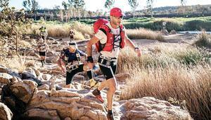 Hem diyabetini geçti hem de rakiplerini... Beş kıtada, beş ultra maraton koştu