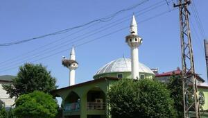 Caminin minareleri 6 yıldır leyleklere yuva oluyor