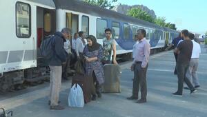 Tahran-Van treninin ilk yolcuları Vana ulaştı
