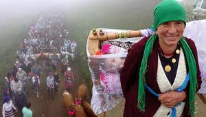 Trabzonda en renkli yayla göçü