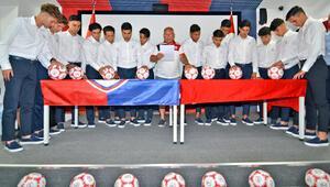 Altınordudan imza şov 14 oyuncusuyla profesyonel sözleşme imzalandı