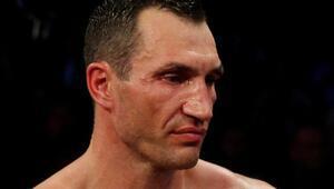 Wladimir Klitschko, yanan yatın içinden kurtarıldı