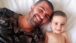 Omuriliğinde tümör olan Ayazın babası yardım istedi