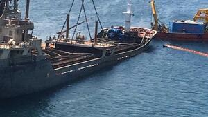 Marmara Adası açığında gemi, ekipler tarafından çıkarıldı