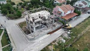 Ankarada kaçak villa yıkıldı