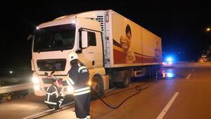 Polis bu ihbarı alınca TIRın önündeki tüm araçları uyardı 30 km sürdü...