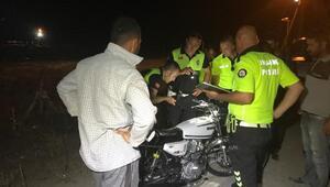 Otomobil, motosiklete çarptı: 1 yaralı