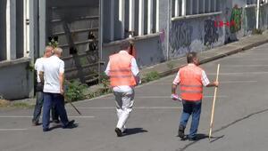 Yağmalanan fabrikada böyle bekliyorlar