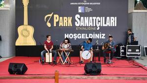 Parkta müzik