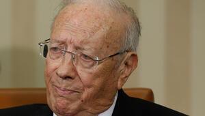 Son dakika... Tunus Cumhurbaşkanı es-Sibsi hastaneye kaldırıldı