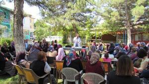 Konya Büyükşehir Belediyesi tarımsal eğitimlerle çiftçiye katkı sağlıyor