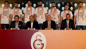Galatasaray HDI Sigortada 7 imza birden