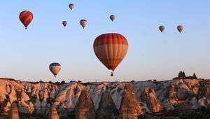 Kapadokyada sıcak hava balonlarının görsel şöleni