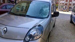 Otomobilin çarptığı bisikletli ağır yaralı