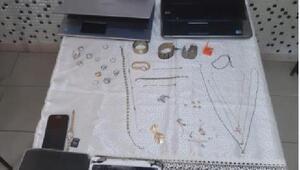 Bursada hırsızlık şüphelisi çaldığı eşyalarla yakalandı