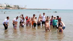 Zihinsel engellilerin çocukların deniz keyfi