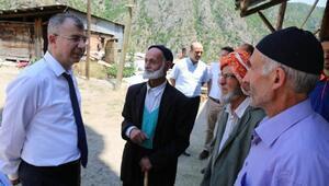 Vali Dorukdan Yusufelindeki afetzedelere ziyaret