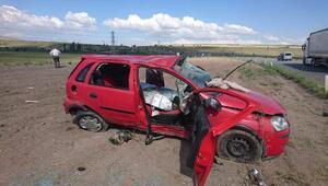 TIR ile çarpışan otomobildeki 2 kardeş öldü