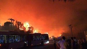 Son dakika İzmirdeki korkutan yangın kontrol altına alındı