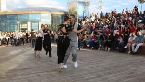 Atakule'de tango zamanı