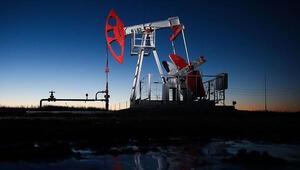 İran OPECin petrol üretimini kısma kararından muaf tutuldu