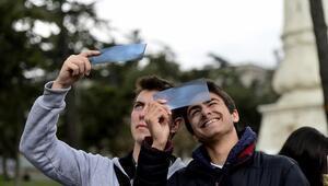 Güneş tutulması saat kaçta gerçekleşecek Güneş tutulması Türkiyeden izlenebilecek mi