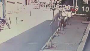 Kapkaç anı kamerada; telefonla konuşurken kapkaça uğradı