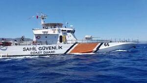 Arızalanan yattaki 12 kişiyi Sahil Güvenlik kurtardı