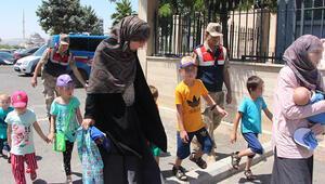 DEAŞlı Rus kadınlar, 9 çocukla sınırda yakalandı