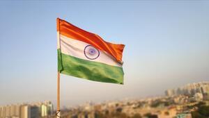 Hindistanda muhalefet lideri istifa etti