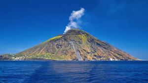 Stromboli yanardağı nerede Harita üzerindeki konumu