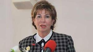 Eski Devlet Bakanı Işılay Saygın, hastaneye kaldırıldı