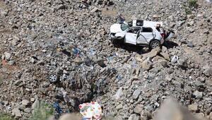 Cipin uçurumdan yuvarlandığı kazada ölen anne- kız toprağa verildi