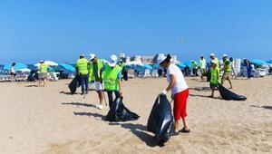 Farkındalık için sahil temizliği