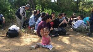 Ayvalıkta 35kaçak göçmen ile organizatör yakalandı