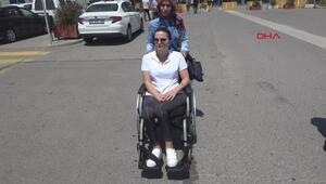 Tekerlekli sandalye ile duruşmaya gelen genç kız: Şule Çet gibi ölmem mi gerekiyordu
