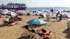 Avşa Adası'na tatilci akını