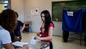 Yunanistan, genel seçim için bugün sandık başında
