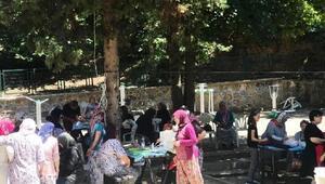 Köy kadınları, ahşap boyayarak sanatla buluştu