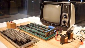 Appleın ilk bilgisayarına ait kullanma kılavuzu satışa çıkarıldı