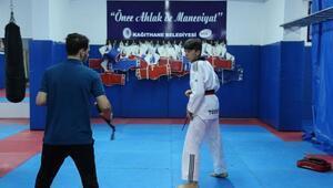 Tekvando Türkiye Şampiyonu Hakan Kaya Dünya Şampiyonluğu yolunda